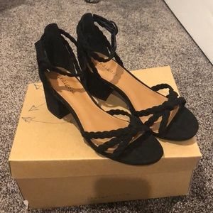 Shoes - Black chunky heels with braided detail straps